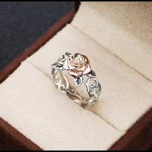 Jewelry - Elegant Two Toned 925 Silver Floral 14K Gold Ring